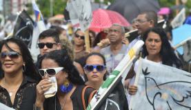 Mesmo estando como adversário de Campos na disputa pela Presidência da República, o ex-presidente Luiz Inácio Lula da Silva foi aos prantos ao fim da missa campal