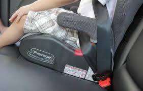 A Resolução 277 do Conselho Nacional de Trânsito estabeleceu a obrigatoriedade o uso de dispositivos especiais de retenção para o transporte de crianças a partir de 2010