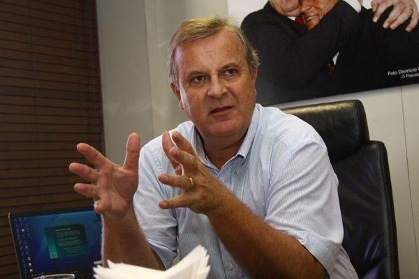 Paulo Garcia critica obras do governador Marconi Perillo