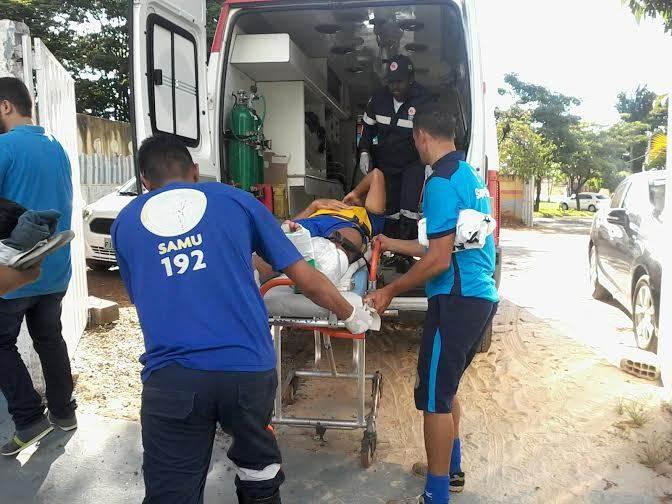 O médico da Aparecidense, Matheus Machado, que acompanhava o treinamento, entrou no campo na sequência e constatou a fratura o tornozelo. Imediatamente a perna do jogador foi imobilizada e o Samu foi chamado