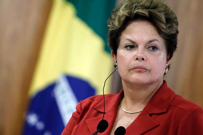 Sem carisma e habilidade política, Dilma participa de cafés, almoços e jantares com parlamentares e não consegue um milímetro de apoio / Foto: EBC
