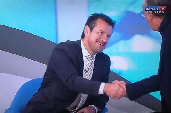 Crítico de Dunga, Galvão pega leve com treinador presente em seu programa / Foto: reprodução Sportv