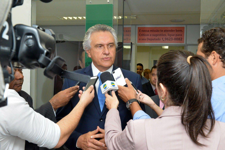 Bancada do PMDB se reuniu com o senador Ronaldo Caiado (Foto: Carlos Costa)