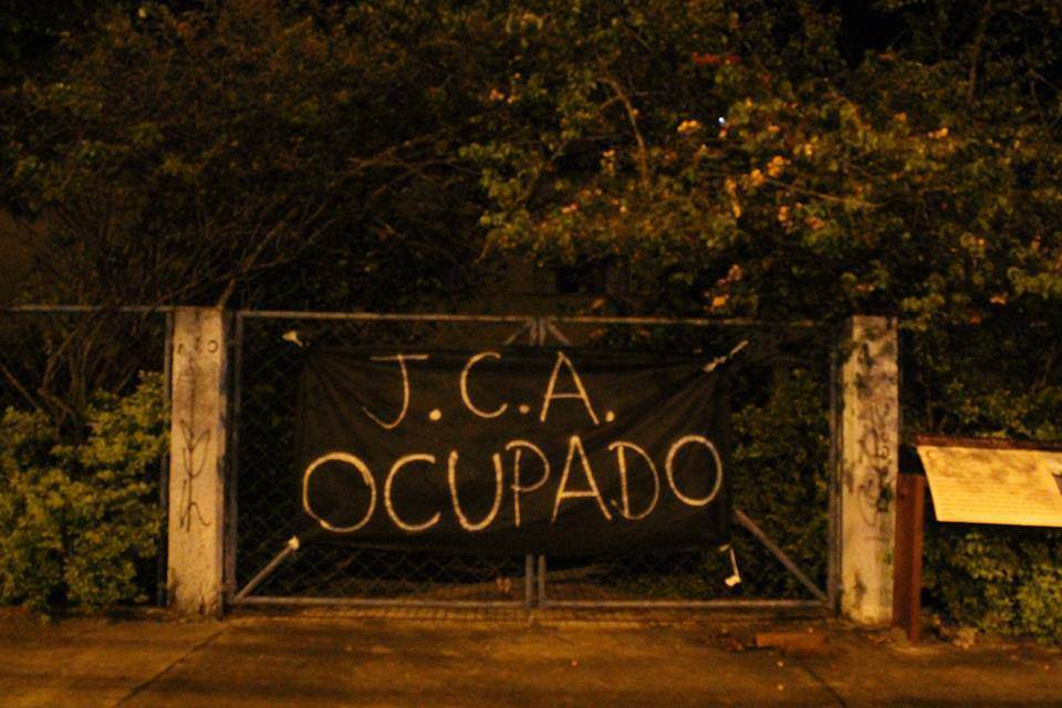 Estudantes secundaristas são contrários à implantação das Organizações Sociais na Educação estadual (Foto: Reprodução)