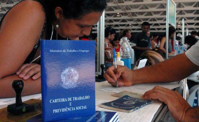 Desempregados também enfrentam dificuldade para se recolocar no mercado (Foto: Reprodução)
