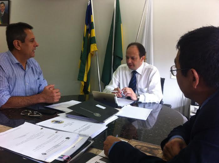 Vereador Denício Trindade (PMDB) e secretário de Segurança Joaquim Mesquita (Foto: Guilherme Coelho)