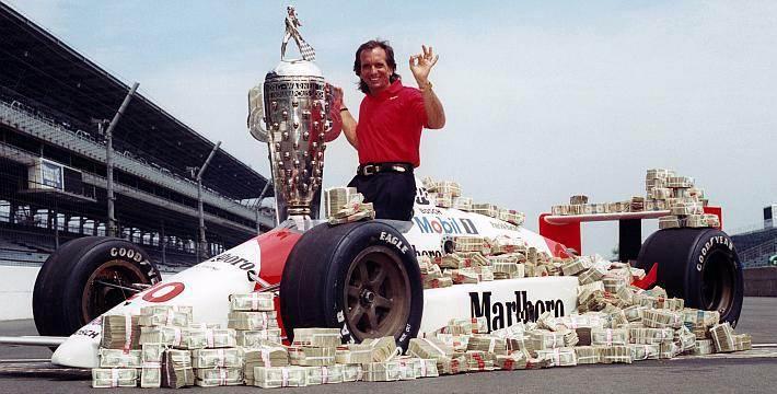 Durante a carreira no automobilismo, Fittipaldi colecionou conquistas e prêmios (Foto: Reprodução)
