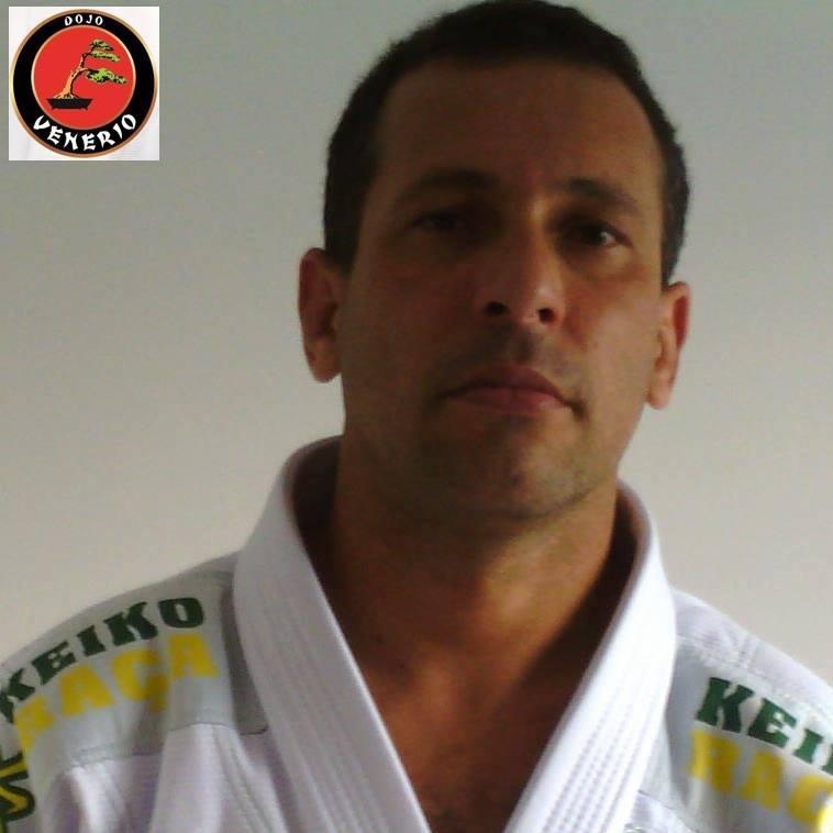 Por Wander Venerio C. de Freitas,Graduando de Educação Física / Faixa Preta II Dan - Karate / Faixa Azul de Jiu Jitsu (Foto: Acervo Pessoal)