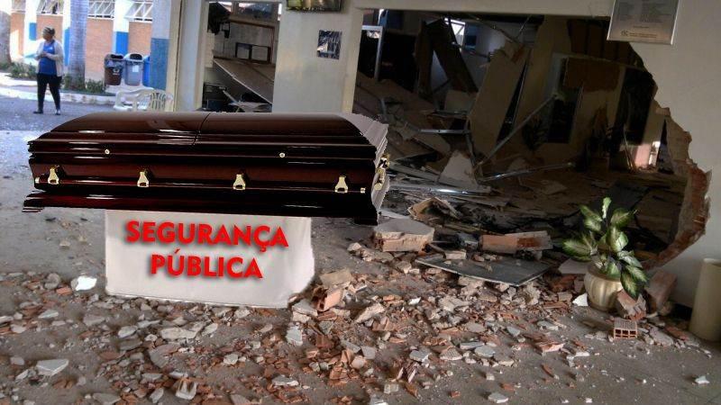 Caixa eletrônico foi detonado na manhã dessa segunda-feira (12) no cemitério Jardim das Palmeiras, em Goiânia (Foto: Reprodução)