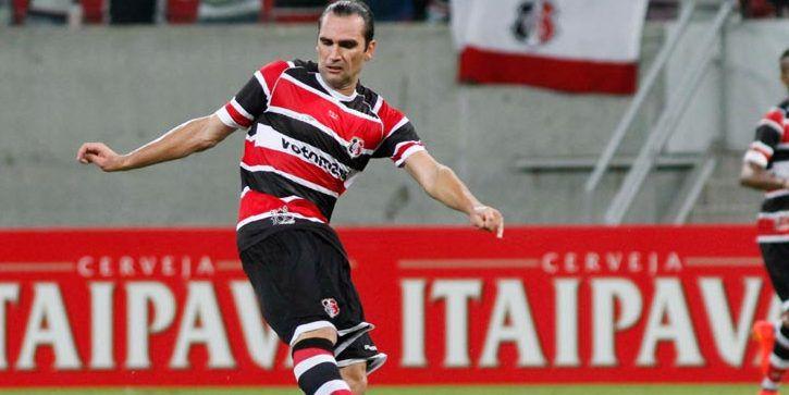Léo Gamalho é o novo reforço para o ataque esmeraldino (Foto: Reprodução)