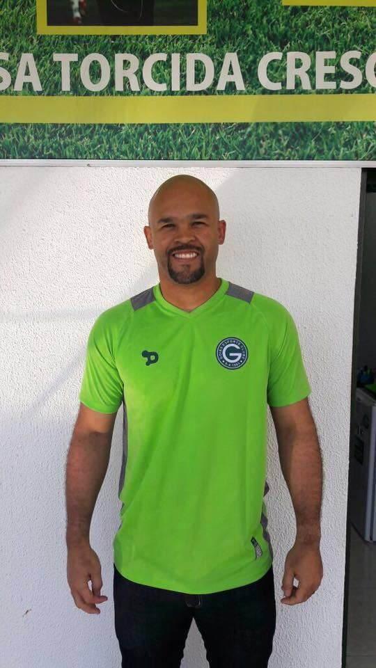 Agora é oficial: goleiro Márcio é do Goiás (Foto: Reprodução/Facebook)