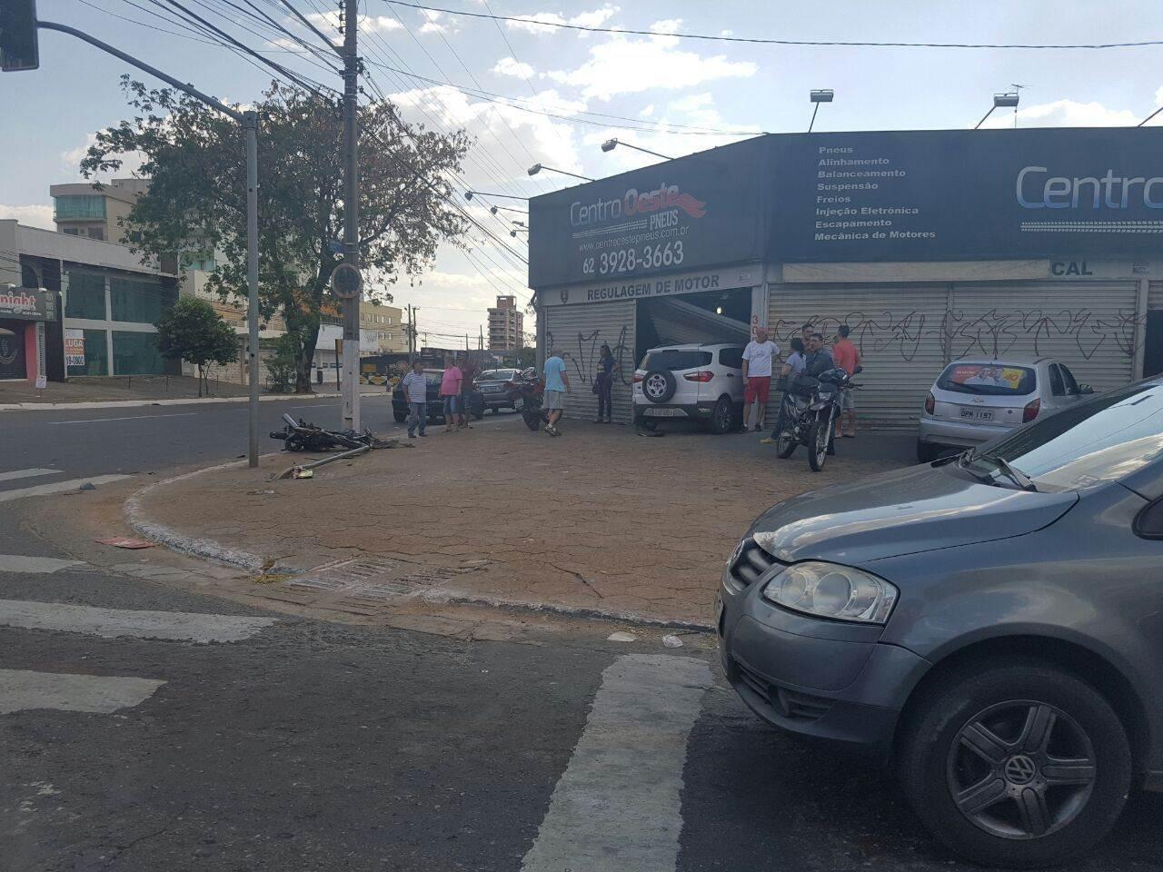 Acidente na T-9 deixa um motociclista ferido |Foto: Divulgação/Ariel da Drogaria Carvalho