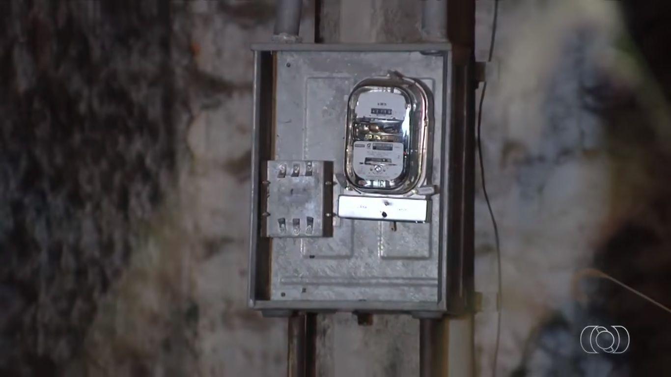 Jovem morre eletrocutado suspeito de roubar fiação |Foto: Reprodução/TV Anhanguera
