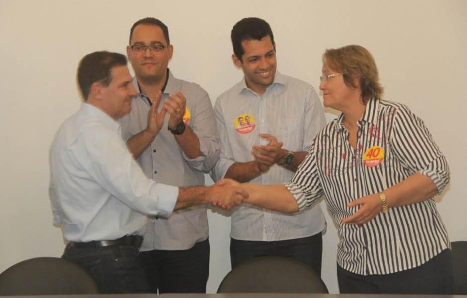 Vanderlan Cardoso recebe apoio da Dr Rose Cruvinel  Foto: Divulgação/Facebook