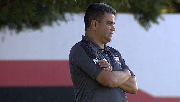 Marcelo Cabo promete analisar a proposta e definir se continua no Dragão  Foto: Reprodução/TV Anhanguera