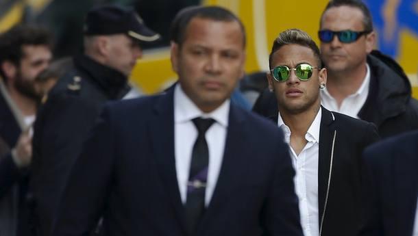 Ministério Público da Espanha pede a prisão de Neymar  Foto: Reuters