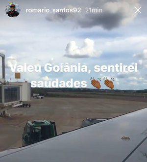 O lateral-esquerdo Romário postou uma foto em uma rede social se despedindo da capital  Foto: Reprodução / Instagram