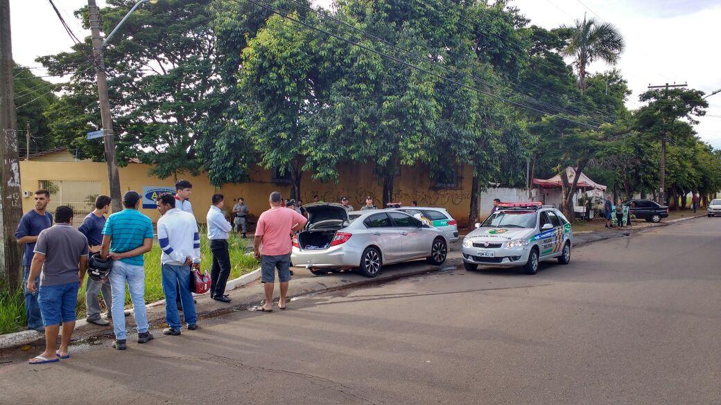 Adolescentes são apreendidos com carro e objetos furtados no Parque Anhanguera| Foto: Divulgação/Polícia Militar