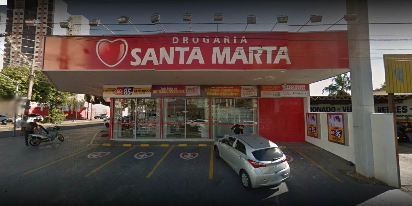 Drogaria Santa Marta, no Setor Bueno, foi alvo de assalto na noite desta terça-feira, 27   Foto: Google Maps