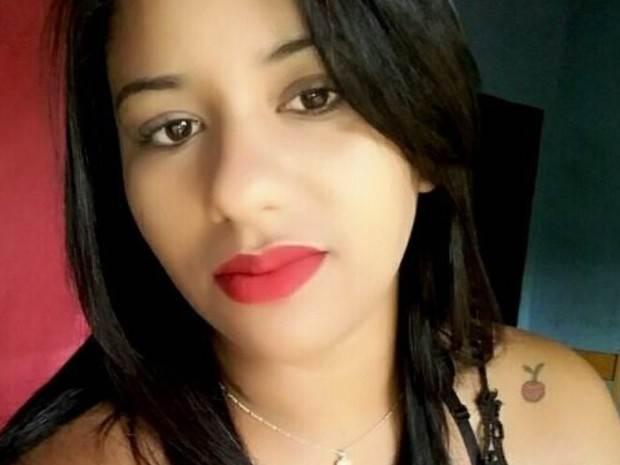 Jovem é morta com filha no colo porque ex-marido não aceitava o término do relacionamento  Foto: Reprodução/Facebook
