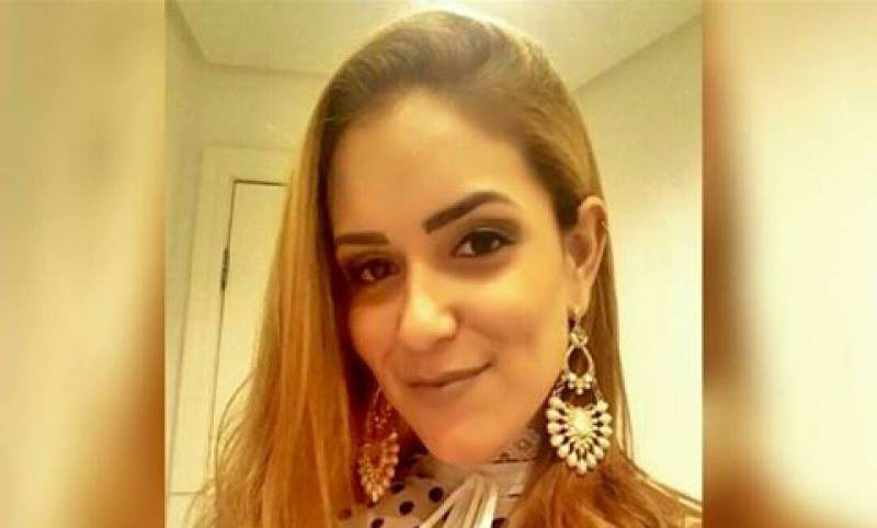 Jovem desaparecida é encontrada viva em hotel| Foto: Reprodução/Facebook