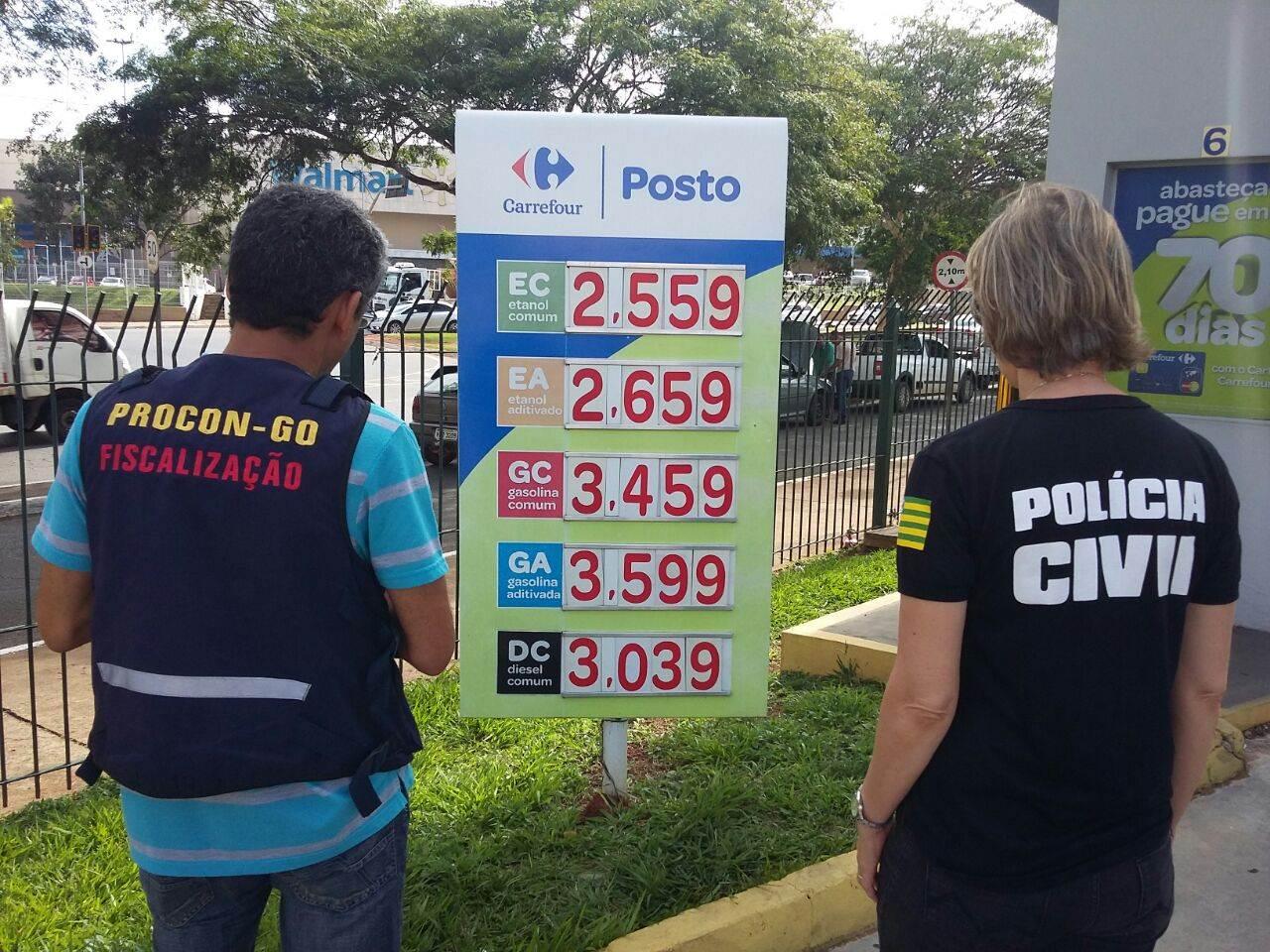 Polícia Civil realiza grande operação de fiscalização em postos de combustíveis de Goiânia | Fotos: Divulgação