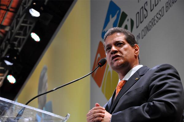 Presidente da Fenacor, Armando Vergílio: mercado clandestino não oferece garantias (Foto: Daniela Meireles)