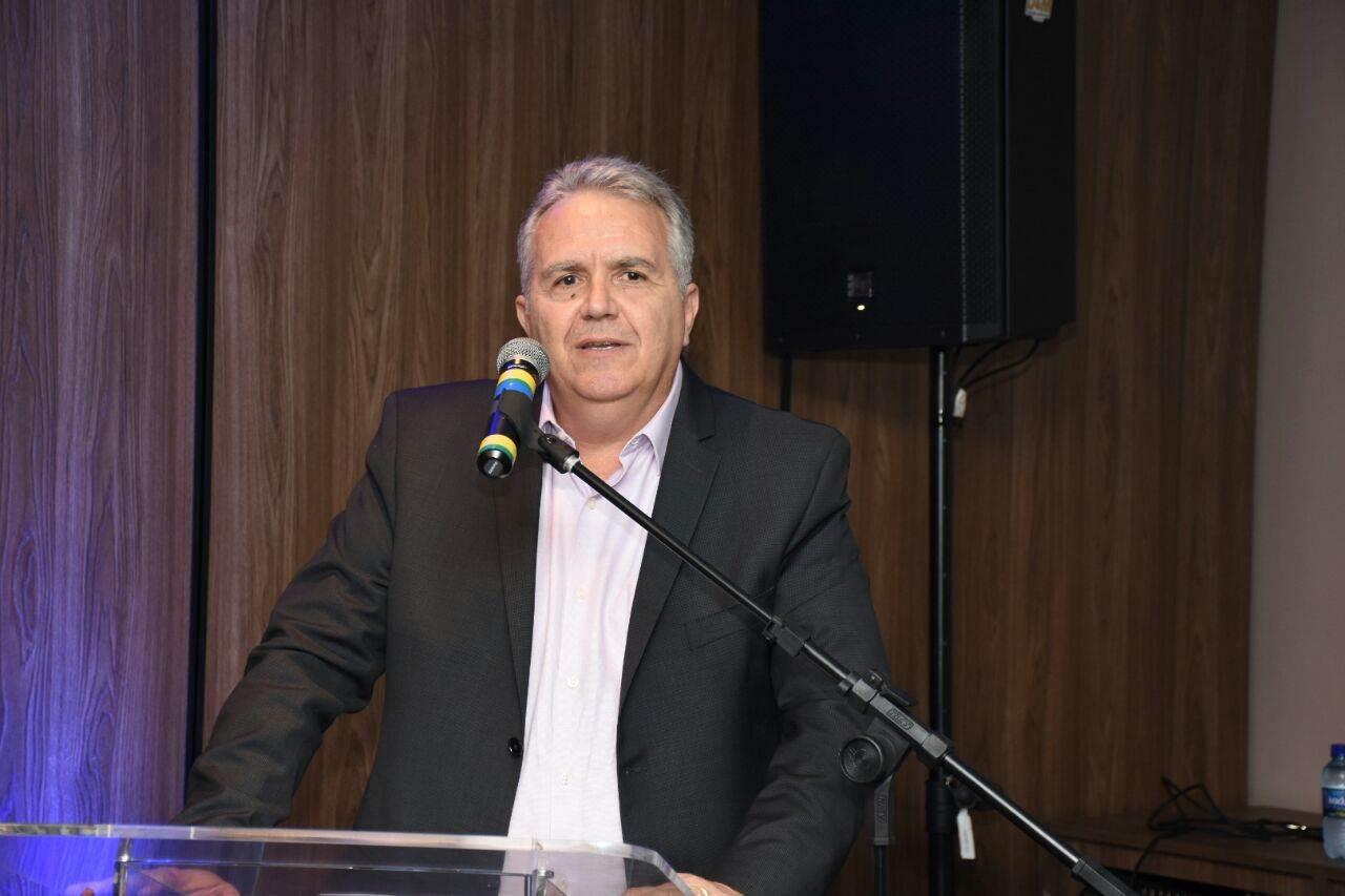 Presidente do SINCOR-GO, Henderson de Paula Rodrigues, durante o 2º Café e Seguros de Anápolis (Foto: Divulgação/ Sincor-Go)