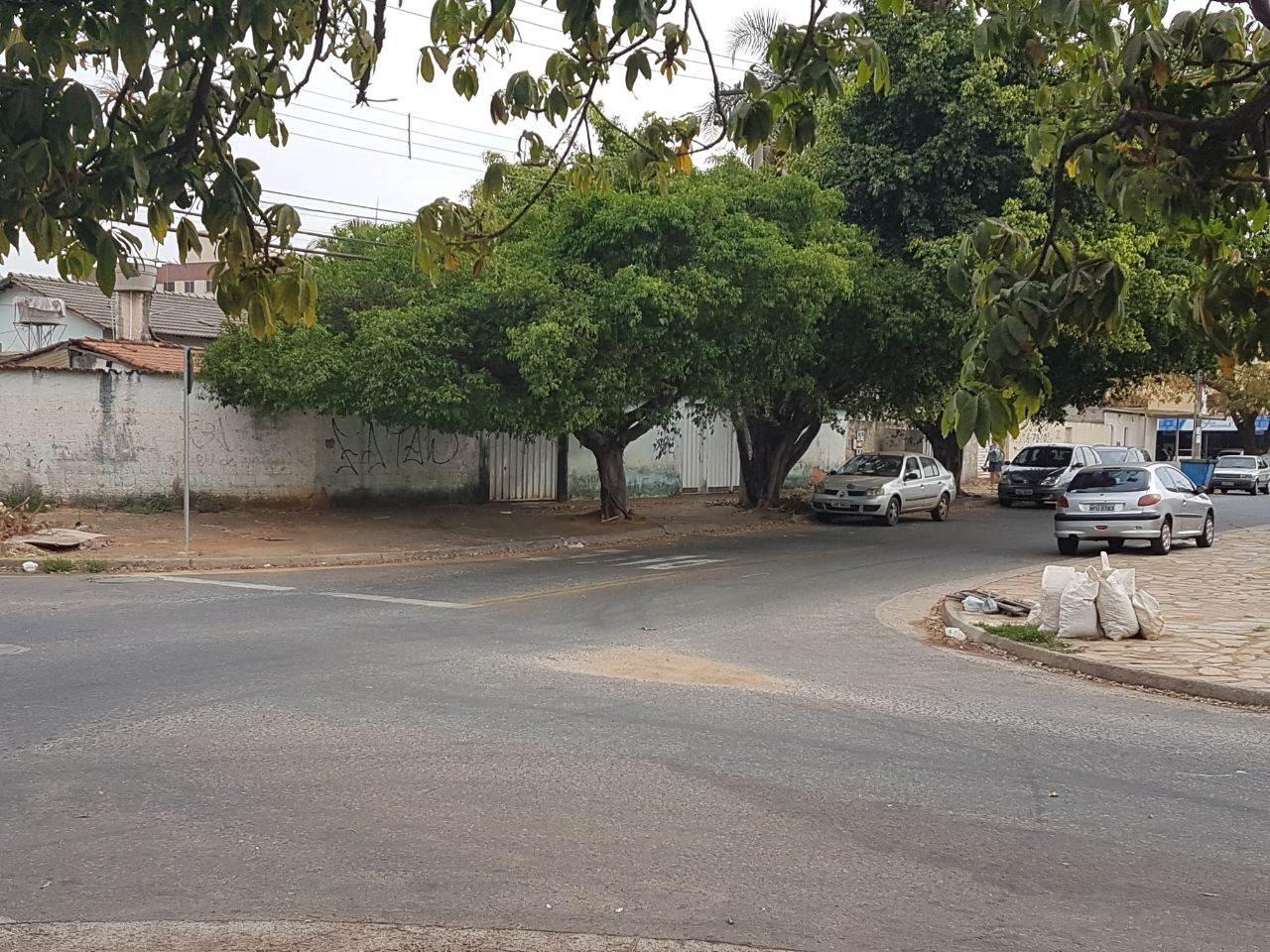 Esquina entre as ruas C-208 e C-210, no Jardim América   Foto: Folha Z