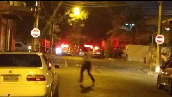 Policial reagiu e trocou tiros com o assaltante | Foto: leitor WhatsApp
