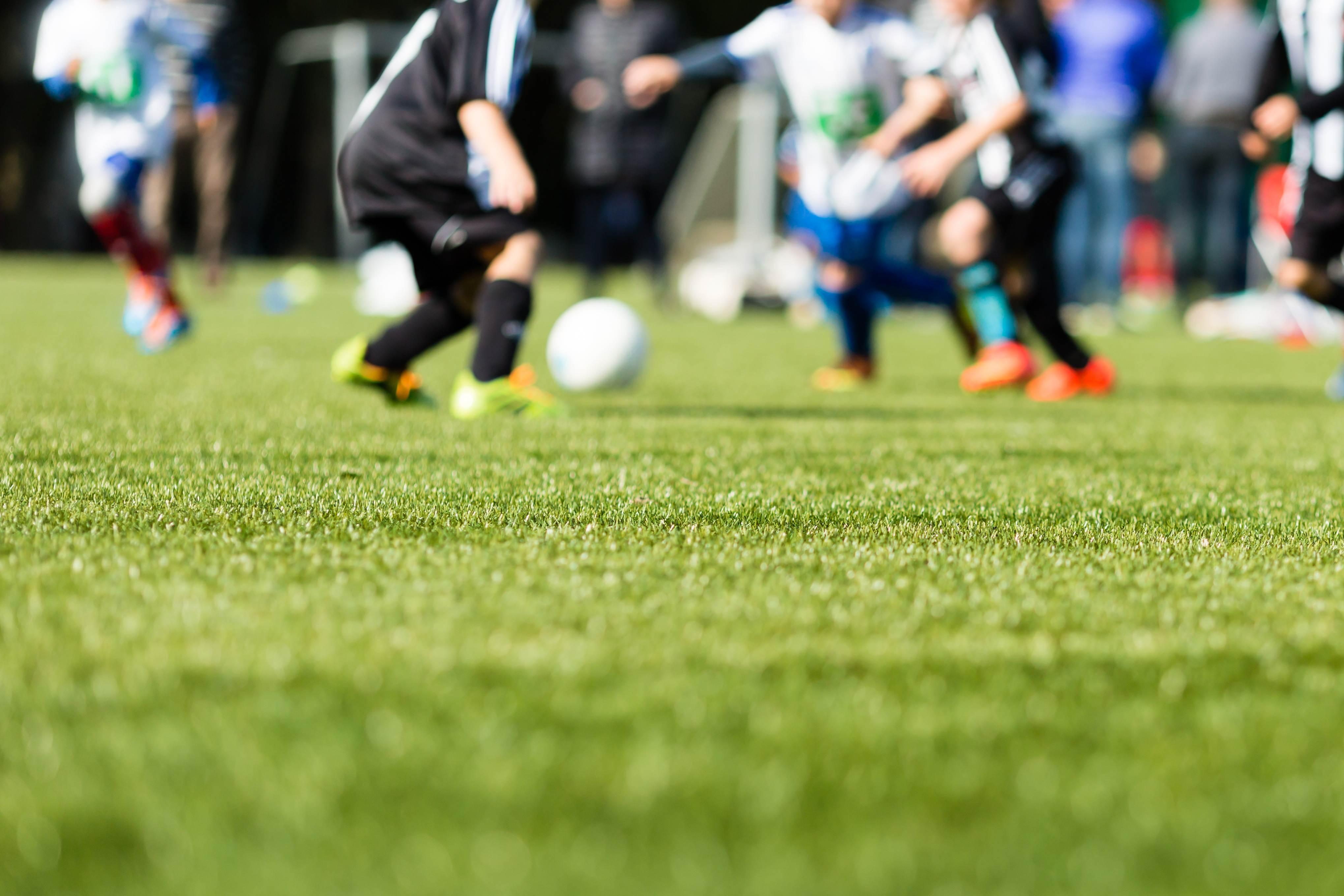 Aulas de futebol, natação e capoeira são ministradas gratuitamente no Clube do Povo | Foto: Ilustrativa