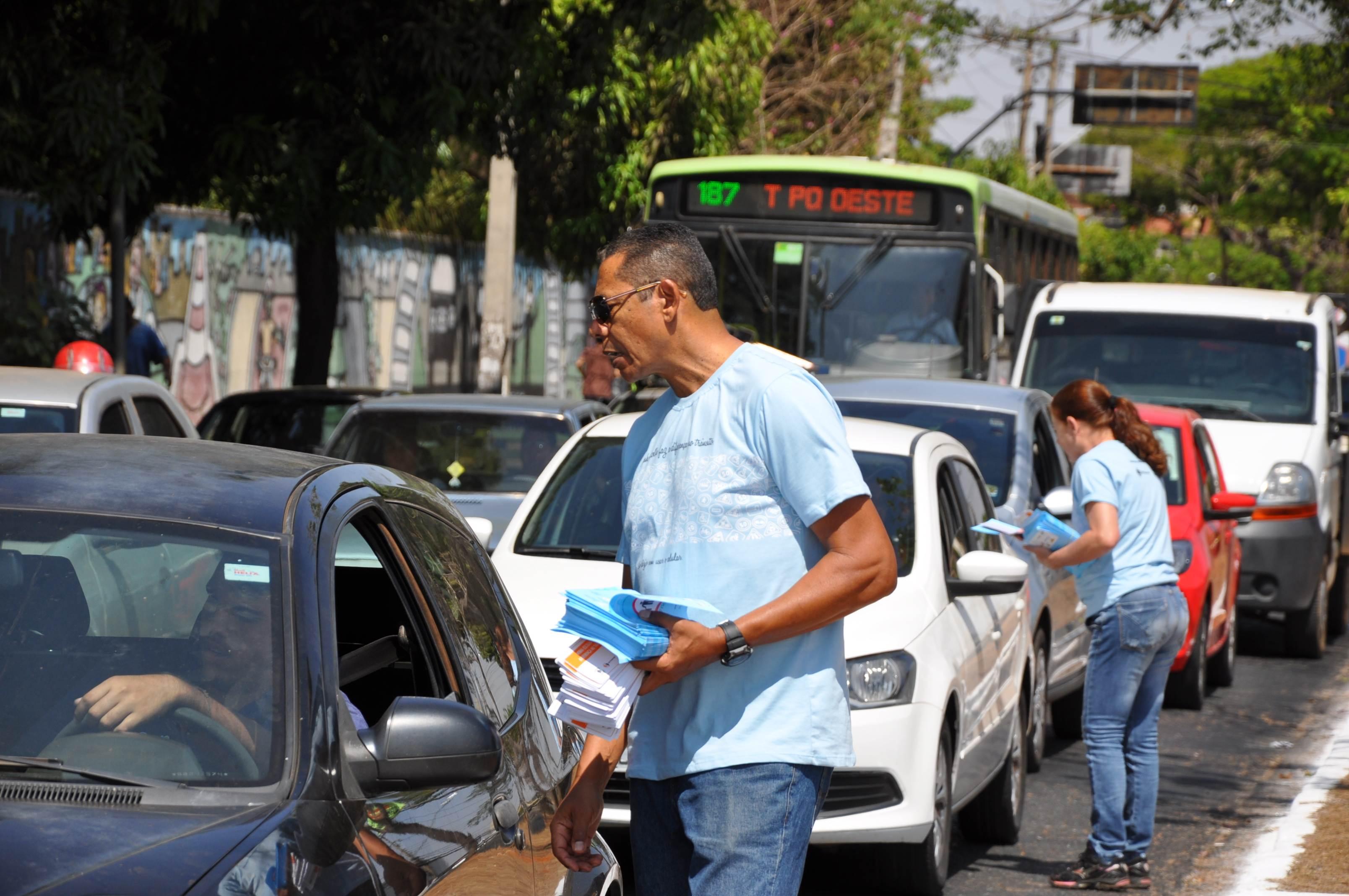 Também foi realizada uma blitz educativa no local   Foto: Divulgação / Detran-GO