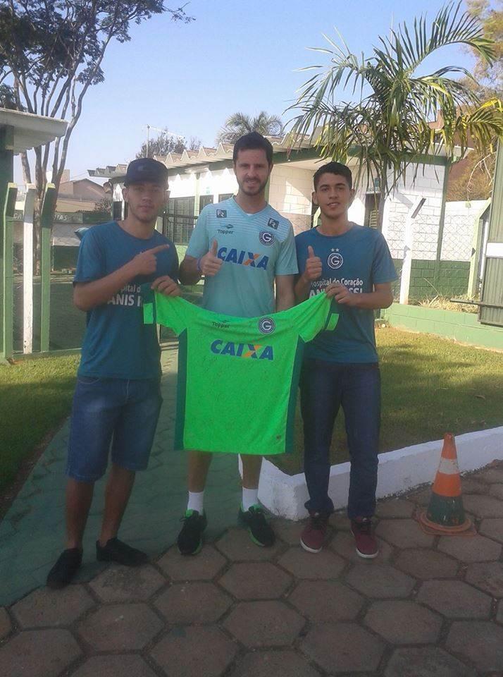 Vinicius e Mateus Rodrigues visitam Marcelo Rangel | Foto: Reprodução/Facebook