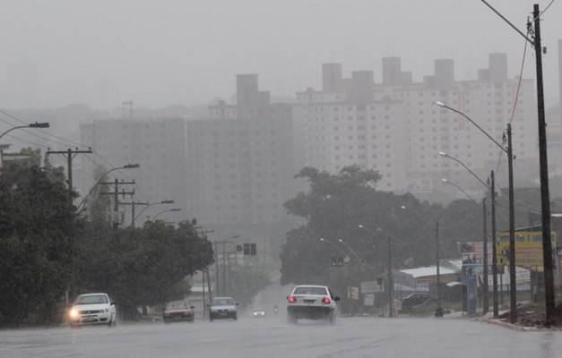 Meteorologia fala em boas chances de chuva para a capital   Foto: Reprodução