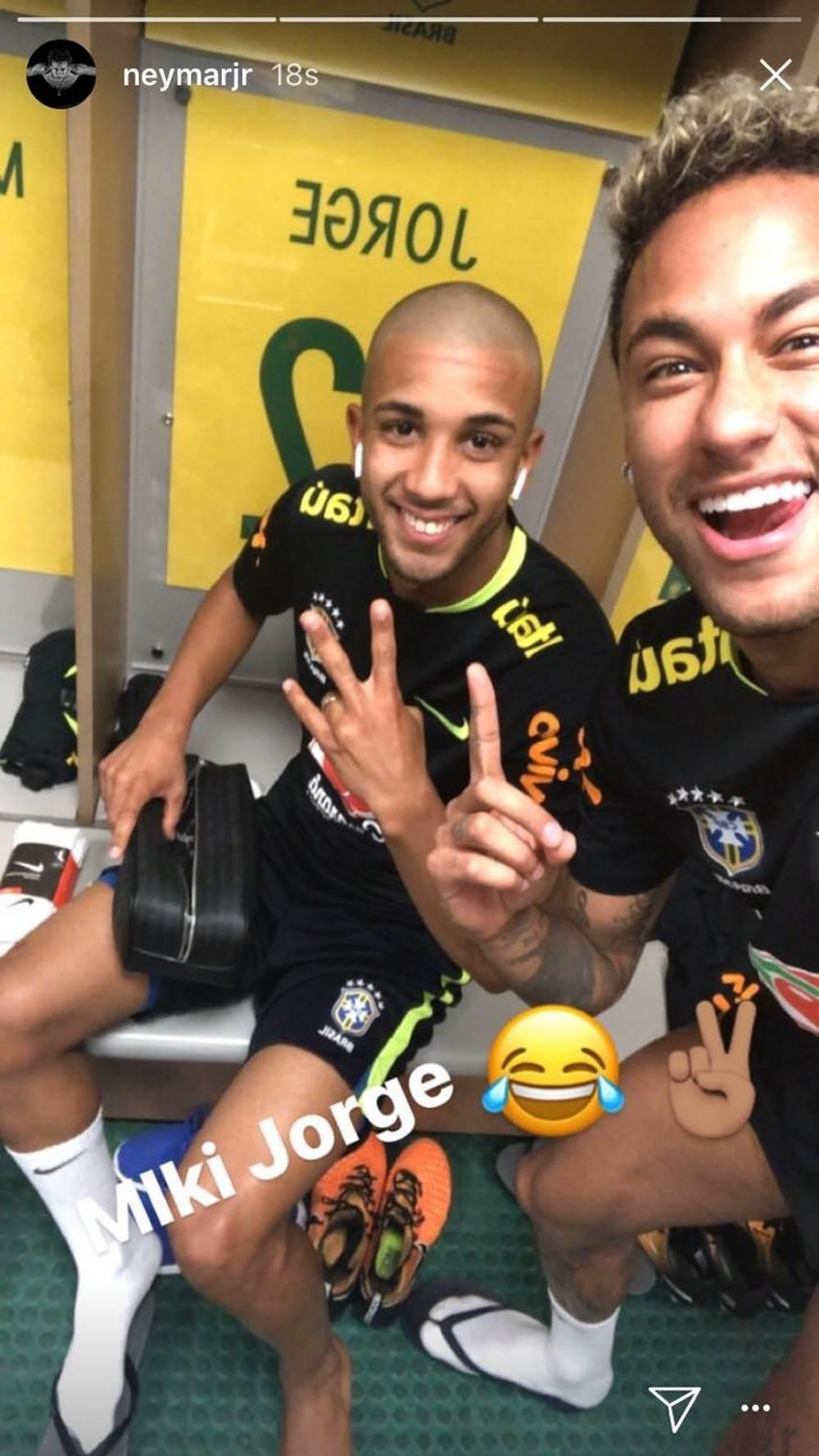 Jorge teve a cabeça raspada por Neymar na concentração   Foto: Reprodução / Instagram