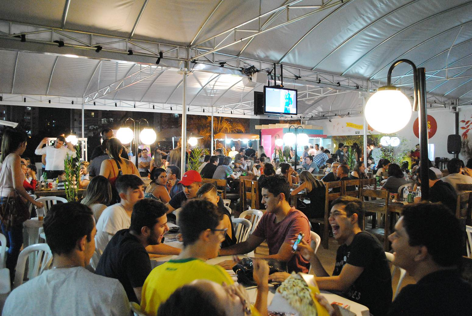 Clássico poderá ser assistido em bares e food parks de Goiânia   Foto: Divulgação
