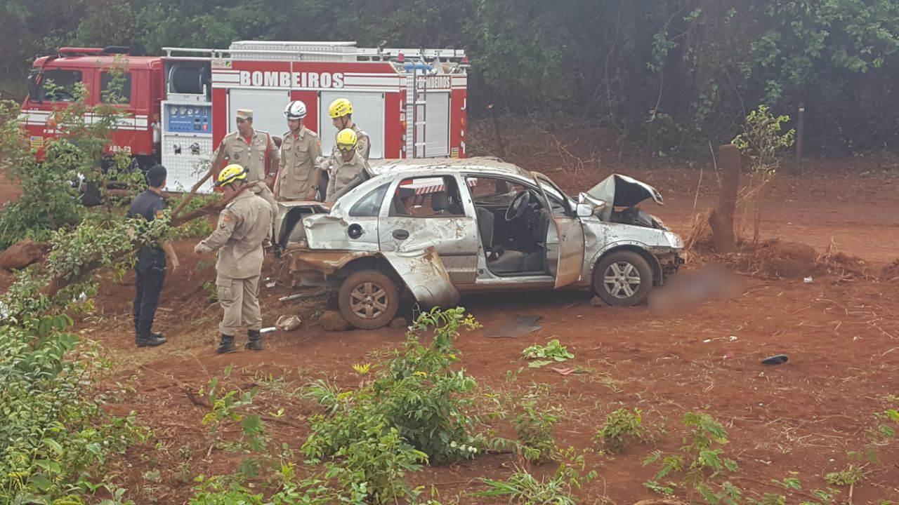 Acidente no trecho da GO-309 entre Itumbiara e Cachoeira Dourada deixou dois mortos e três feridos   Foto: Leitor / WhatsApp