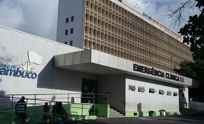 Torcedor do Sport está internado na Unidade de Queimados do Hospital da Restauração, em Recife (PE)   Foto: Reprodução/ Facebook