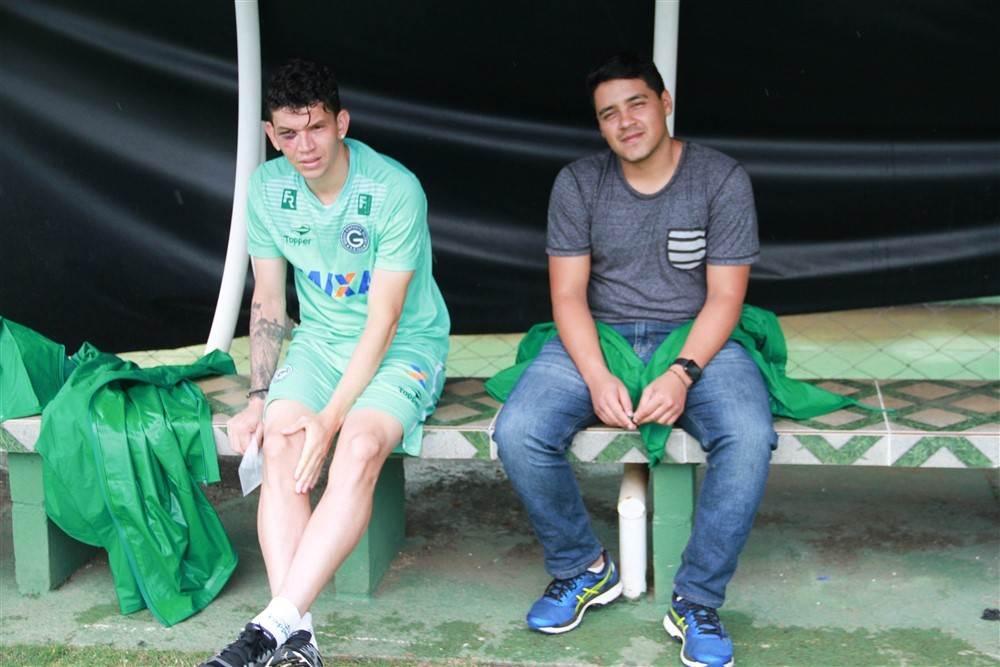 Atacante Júnior Viçosa, e o supervisor Paulo Egídio | Foto: Rosiron Rodrigues/ GEC