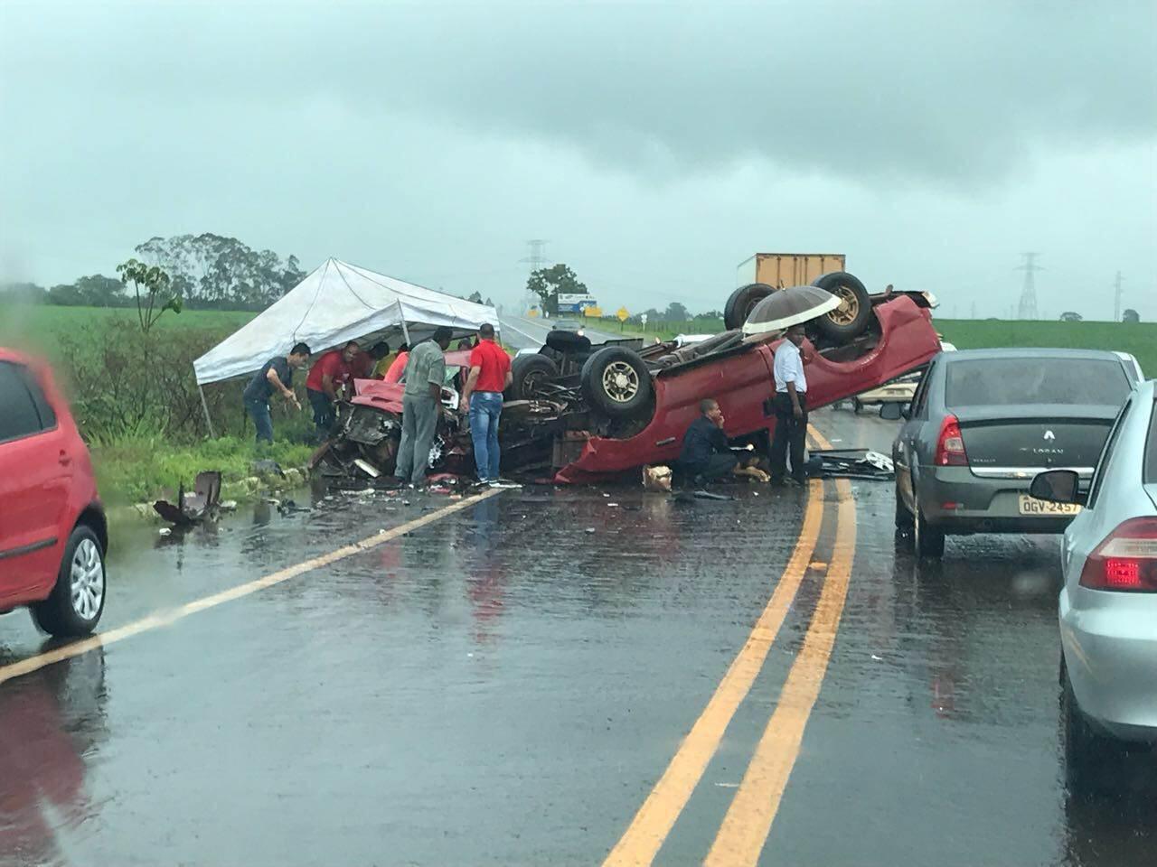 Acidente grave na GO-210, entre Santa Helena e Rio Verde | Foto: Leitor / WhatsApp