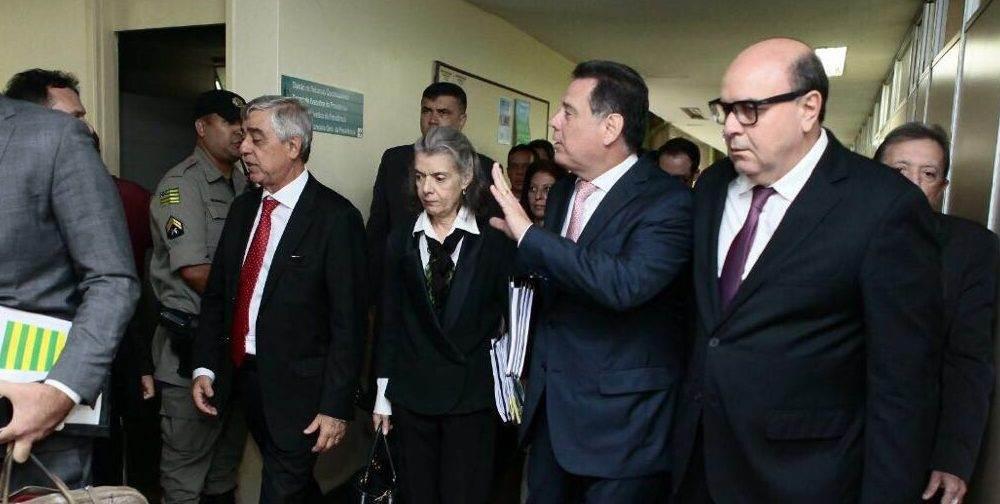 Cármen Lúcia se reuniu como presidente do Tribunal de Justiça do Estado de Goiás (TJ-GO) Gilberto Marques Filho e com o governador Marconi Perillo (PSDB)   Foto: Fernando Leite/Governo de Goiás