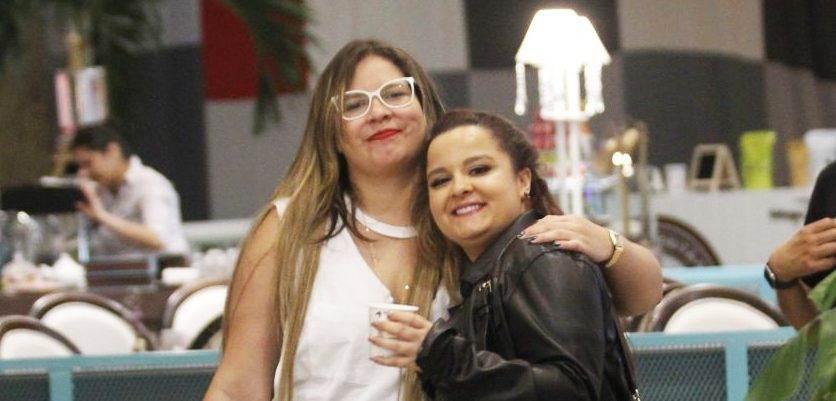 """Marília Mendonça se fantasiou de Maraísa, amiga comquem viaja pelo país com a turnê """"Festa das patroas""""   Foto: Reprodução"""