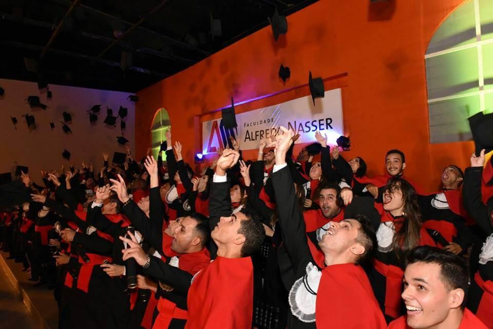 Unifan: universitários de 13 cursos comemoram colação de grau   Foto: Divulgação