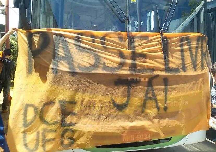 Alunos da UFG convocam manifestações contra atrasos do Passe Livre em Goiás   Foto: Divulgação/ DCE-UFG