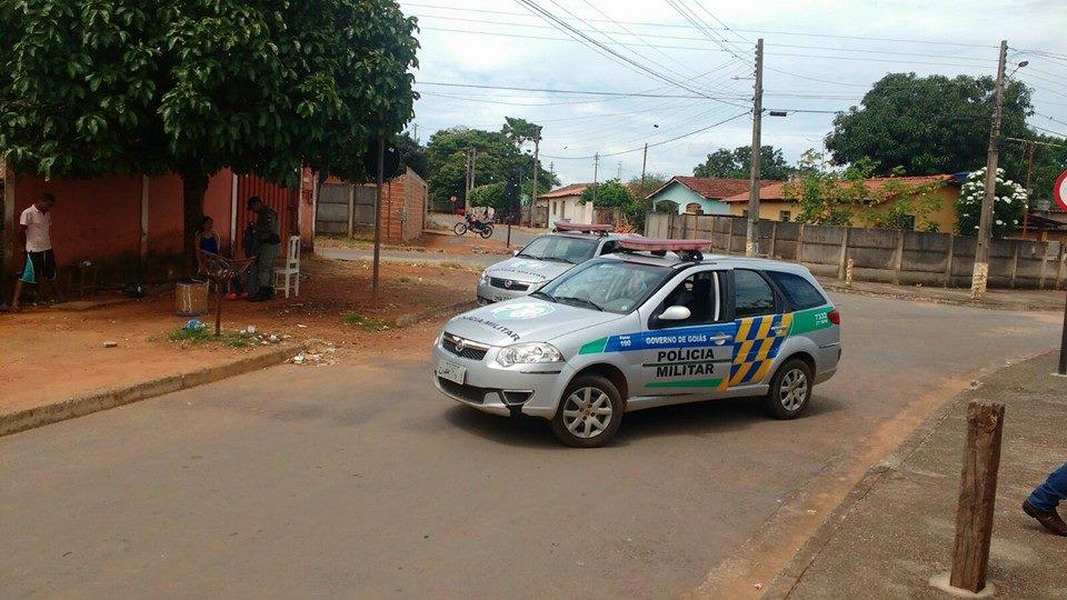 Dois carros foram roubados em um período de 4 horas na última sexta-feira, 23, em Bela Vista, a 50 km de Goiânia, e aumentaram estatísticas da violência em Goiás   Foto: Divulgação/ PM