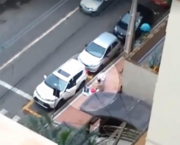 Vizinho flagra momento em que PM frustra tentativa de assalto em Goiânia   Foto: Reprodução