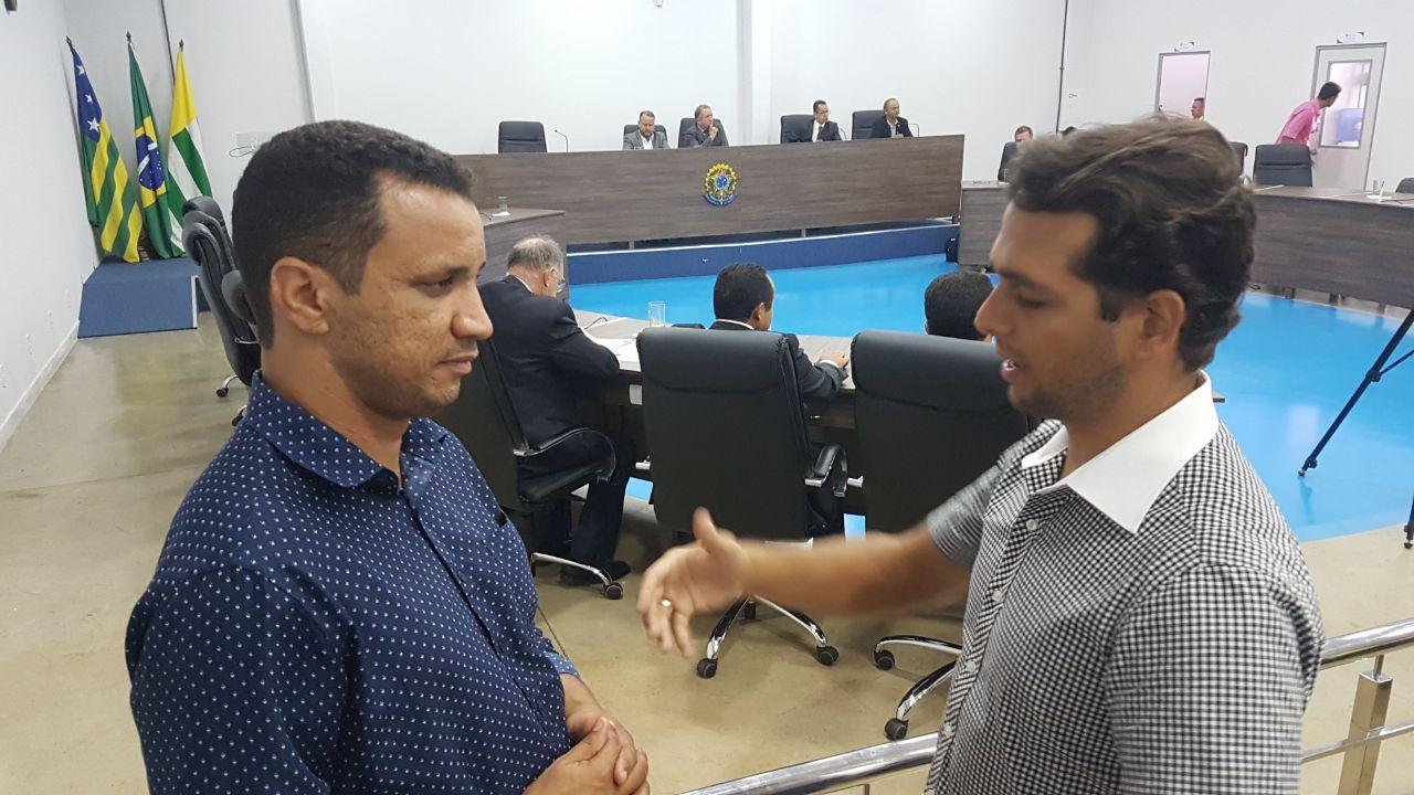 Suplente de vereador Daniel Rodrigues (PCdoB) fala ao jornalista Guilherme Coelho   Foto: Folha Z
