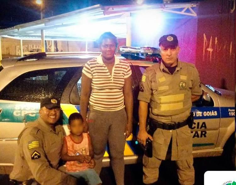 PM resgata criança perdida e a ajuda a encontrar a mãe em Goiânia   Foto: Divulgação/ PMGO