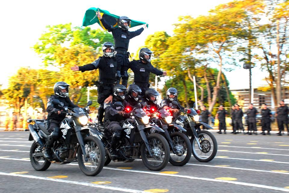 Equipe Giro da Polícia Militar de Goiás em apresentação | Foto: Divulgação