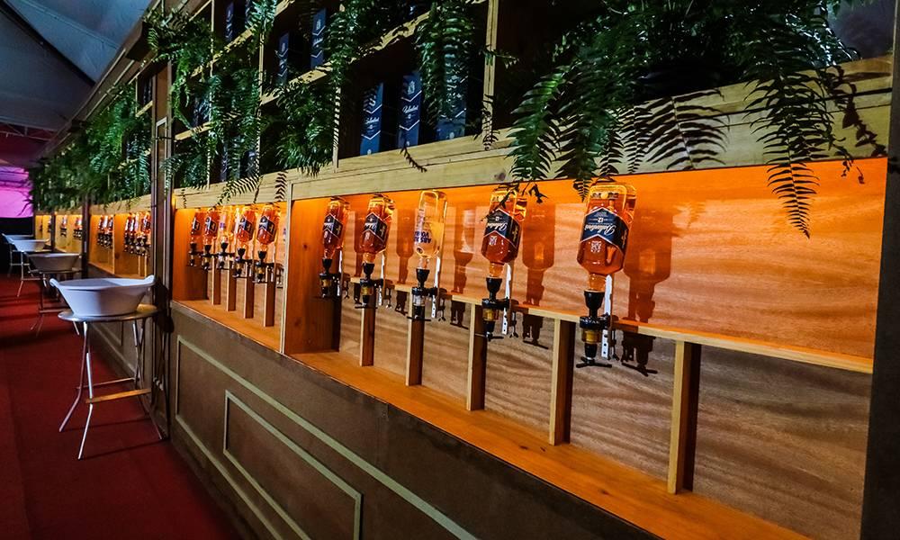 Camarote incluirá open bar de várias bebidas   Foto: Divulgação